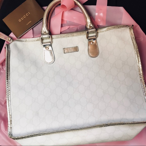 d18fe9483f7 Gucci Handbags - Gucci Canvas White Metallic Monogram GG Tote